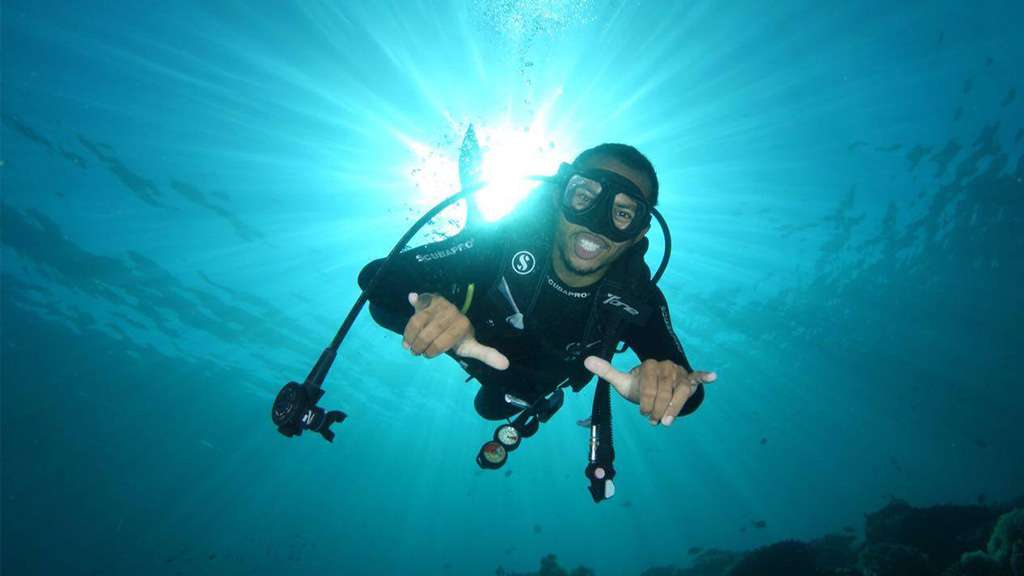scuba diving advanced course in Komodo