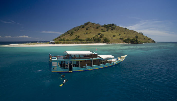 Komodo Private dive boat charter